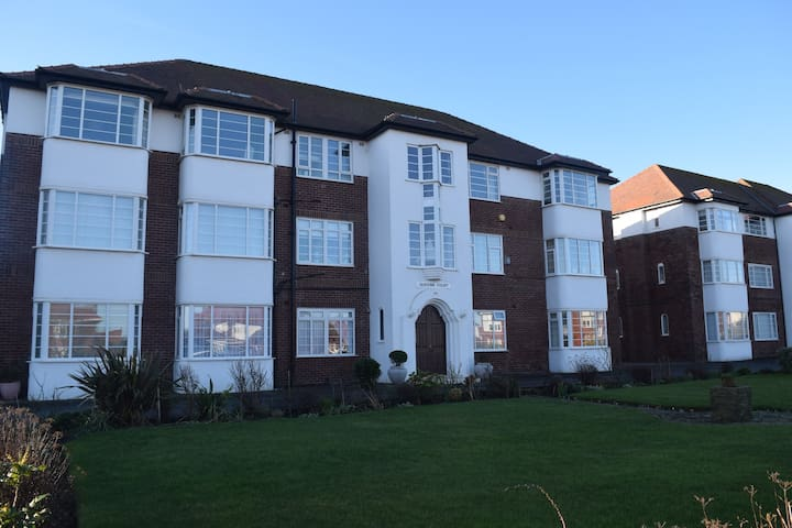 Queens Court Apartment - Lytham Saint Annes - Huoneisto