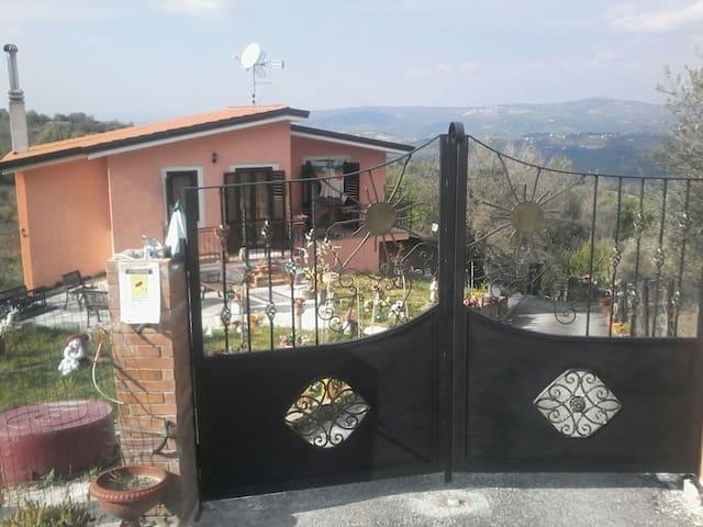 Casa etnica sulla collina - Montemarano - Maison