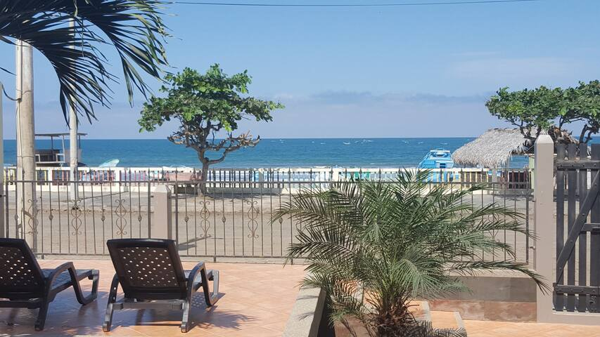 Beautiful beach house in Puerto Cayo - Puerto Cayo - Dom