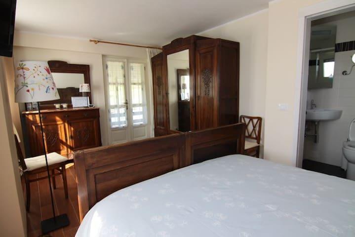 B&B Casa Joop | The Rustic Room - Magnano - Bed & Breakfast