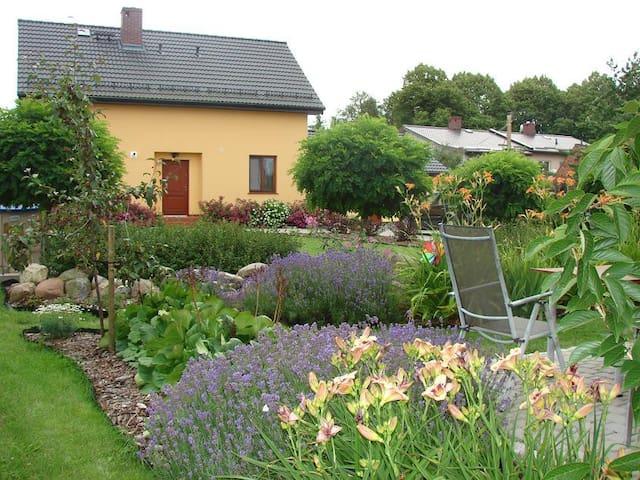Dom nad morzem z dużym ogrodem - Mielenko - Casa