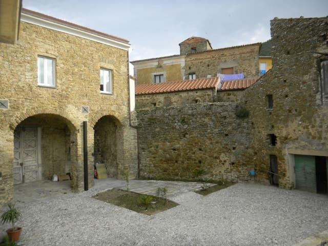 In Cortile a San Mauro Cilento. Casavacanze - San Mauro Cilento - Apartamento