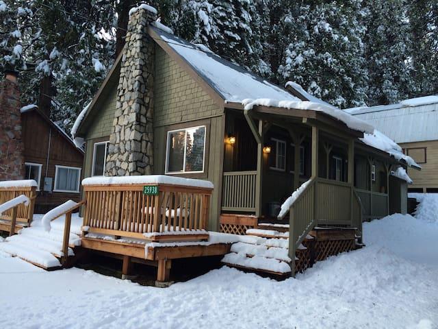 Mountain Escape in the Sierras - Long barn - Casa de campo