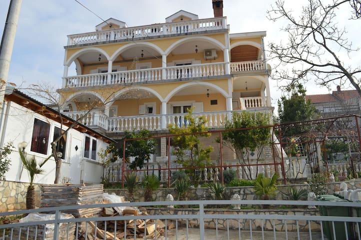 Apartments Milić / One bedroom A2 - Gornji Karin - Daire