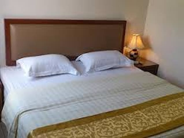Palm Inn Hotel - Port-au-Prince - Bed & Breakfast