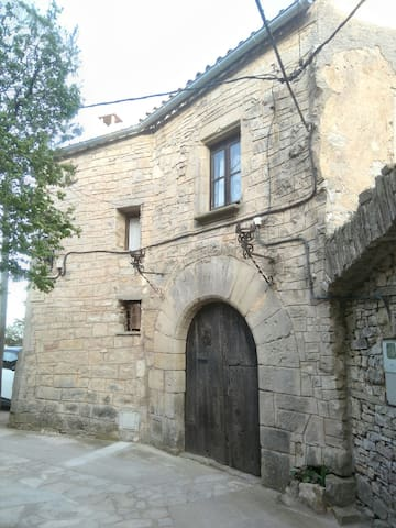 Casa medieval única i amb unes vistes increïbles - Forès - Kasteel