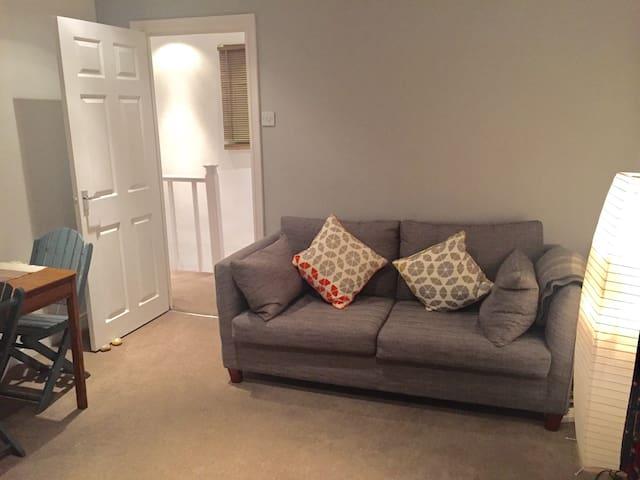 Cozy modern flat, residential area - Waltham Abbey - Appartement