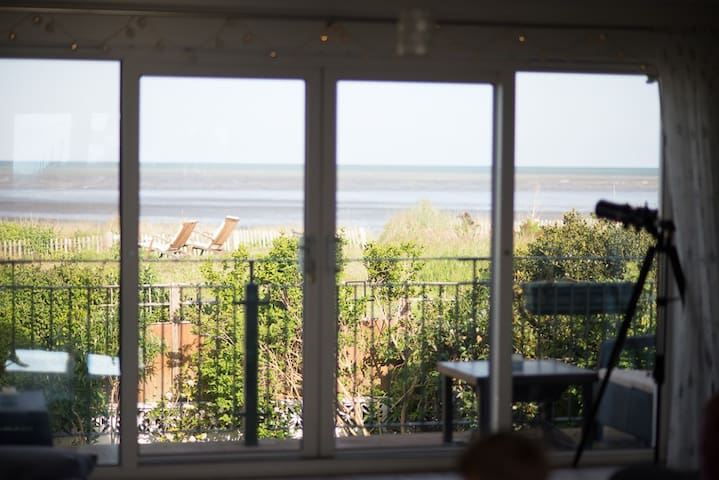 Dunes View, Beach House with Sea view and Hot Tub - Greatstone - Maison