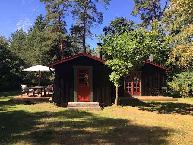 Summer cabin by Tisvilde Beach - Frederiksværk - Zomerhuis/Cottage