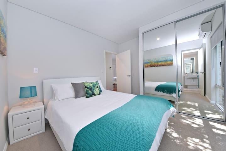 TJ's Apartment close to Perth City &  Airport:2210 - Rivervale - Lägenhet