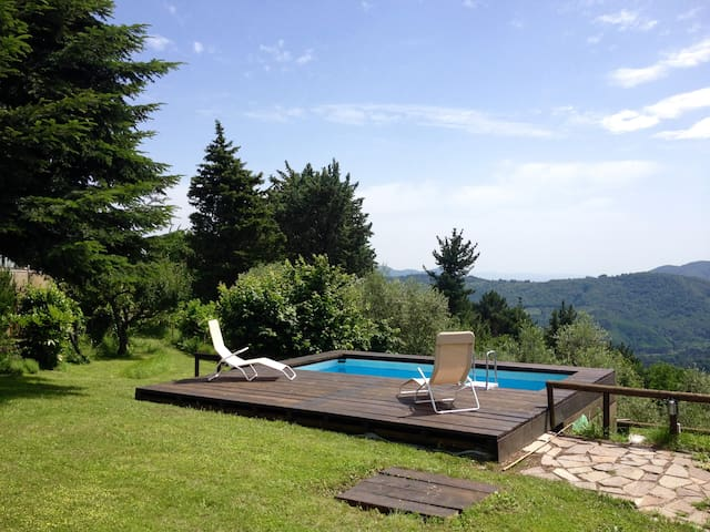 Typical Country house with panoramic pool and wifi - Pescaglia - Villa
