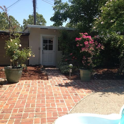 Private Garden Cottage - Menlo Park - House