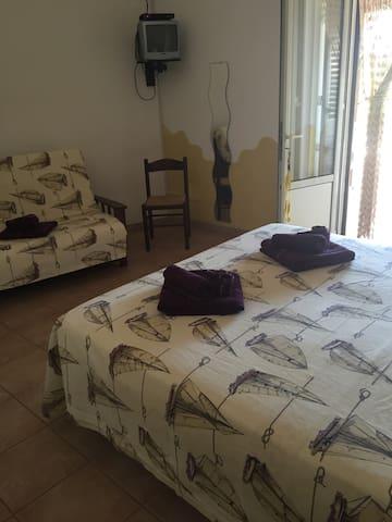 Studio apartment with sea view - Torre Vado