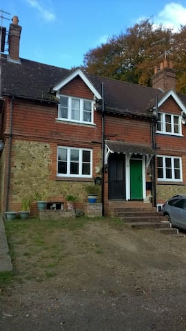Beautiful Cosy Cottage in the Surrey Hills - Abinger Hammer - Casa
