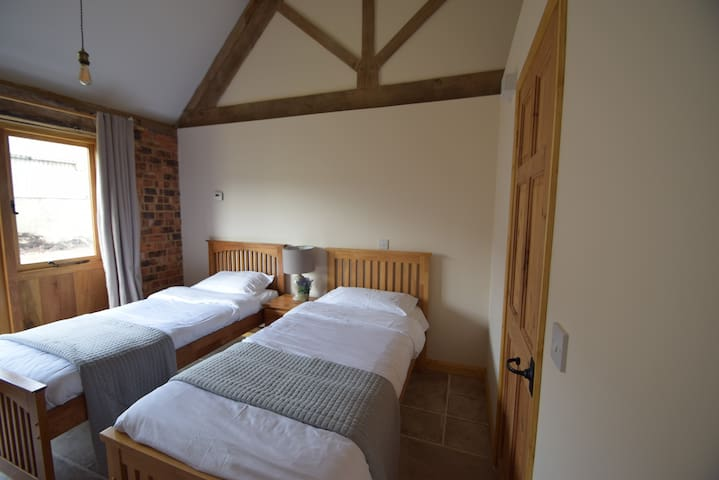 Mill Cottage 3 @ Ash Farm Cotswolds - Icomb - Bed & Breakfast