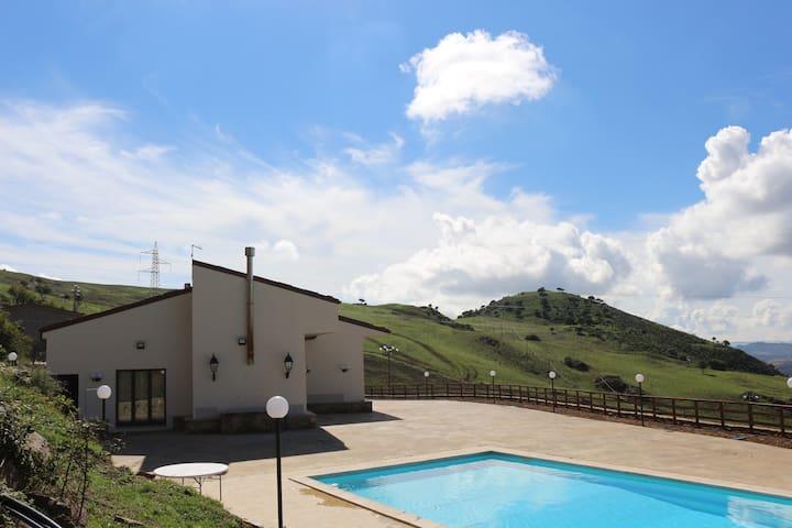 Holiday farmhouse Monte Soprano - Capizzi, Sicilia, IT - Bed & Breakfast