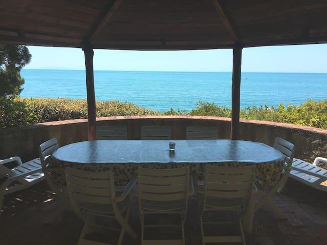 Beautiful flat in a villa overlooking the sea - Rosignano marittimo - Appartement