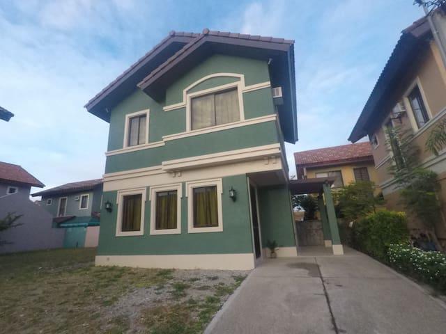 Furnished House along Daang Hari Alabang - Bacoor - Rumah