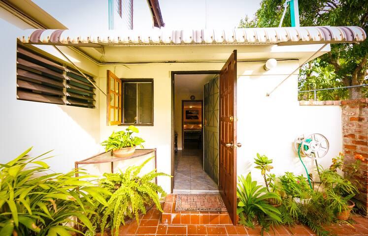 Skye Cottage - 1 Bedroom Suite - Kingston - Bed & Breakfast