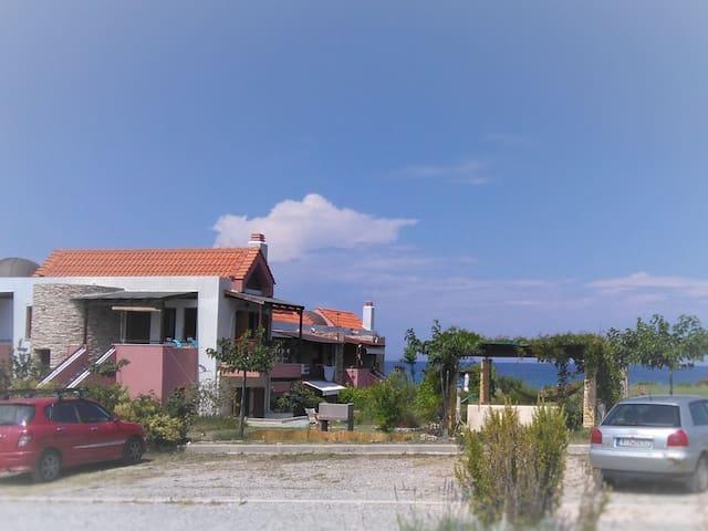 Beach maisonnette, Gavriadia beach, Ierissos - Ierissos