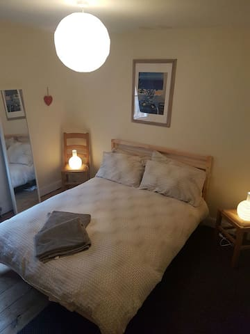 A reasonable sized room in a cottage - Buckingham
