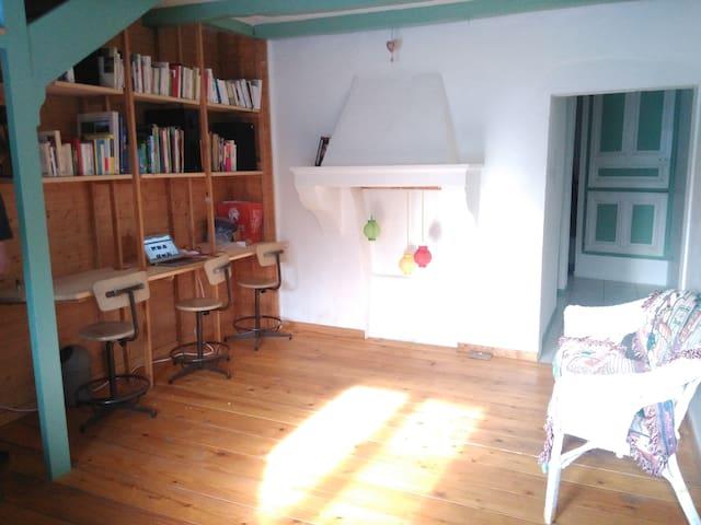 Maison de campagne au calme dans le Jura - Montcusel