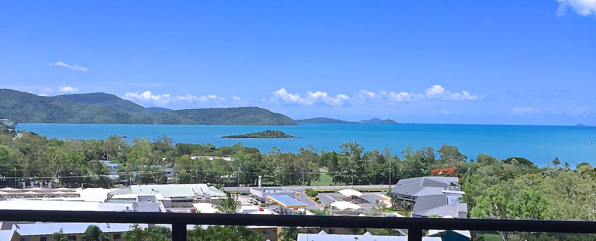 Sea view Luxury Apartment 8 - Cannonvale - Appartement