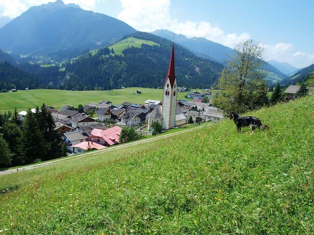 Schöner alter Gasthof - Sankt Lorenzen im Lesachtal - Bed & Breakfast
