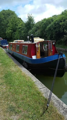 Lilly Ann 35 foot Narrow Boat - Tring - Boot