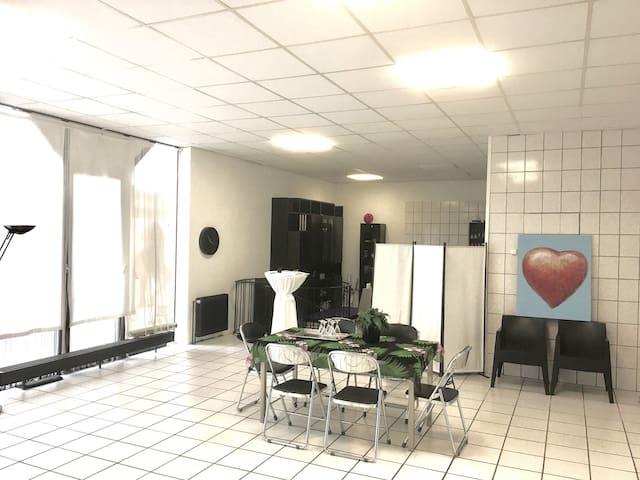 E3:LOFT ON 2 LEVELS NEAR DUESSELDORF - Haan - Loft空間