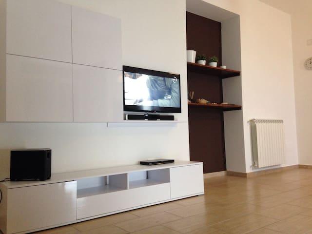 Nice Apartment Rentals - Paola - Apartament