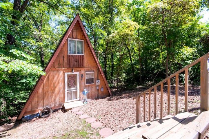 Quiet 1BR Rocky Mount Cottage - Rocky Mount - Casa
