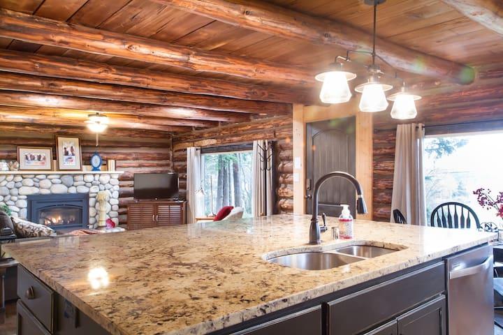 Modern Cabin Near NAS, Oak Harbor & Anacortes! - Oak Harbor - Chalet