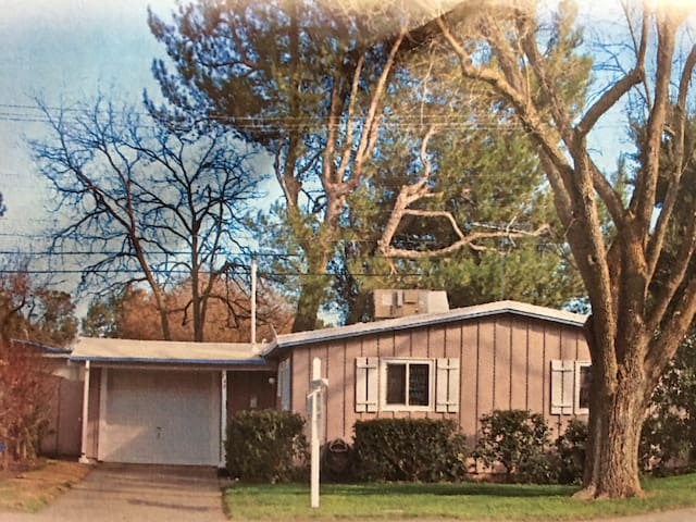 Cute Home In Central Davis - Davis - Maison