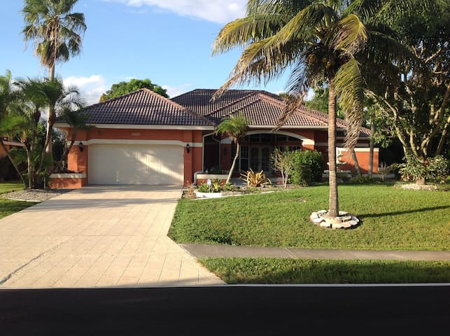 The Noble Comfort - Cape Coral