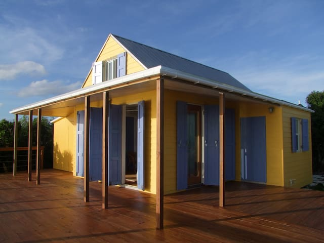 Bahamas Sea Cliff Cottage - Gregory Town - Дом