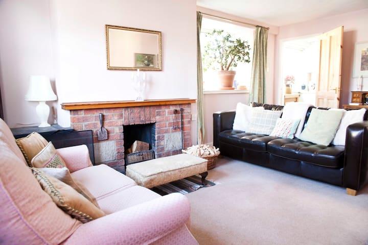 Cosy semi-detached cottage, Sculthorpe - Norfolk - Haus