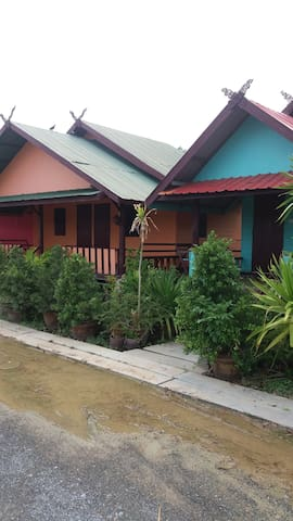 Travellers Overnighter Prasopsuk - Nong Prue