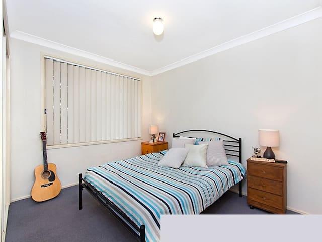 Doonside Master Bedroom - Doonside - Ev