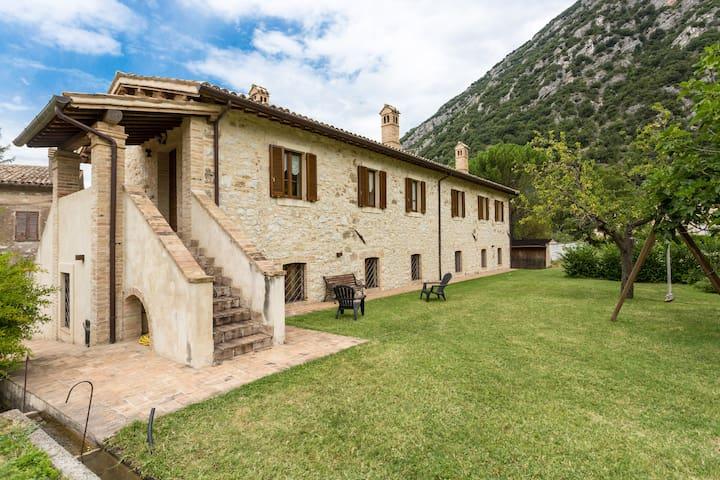 Casolare in the heart of Italy - Pale - Villa