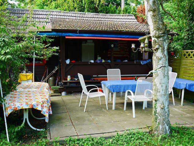 Wochenendhütte Für Naturliebhaber, nahe Badesee - Roppenheim - Hus
