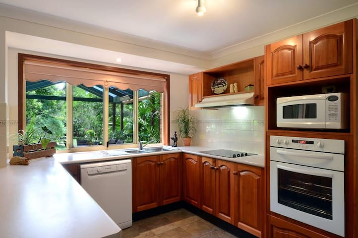 A Secret Garden Cottage - Bomaderry - Huis