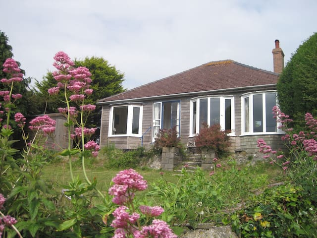 Comfy cottage with sea views , Freshwater East - Pembrokeshire - Bangalô