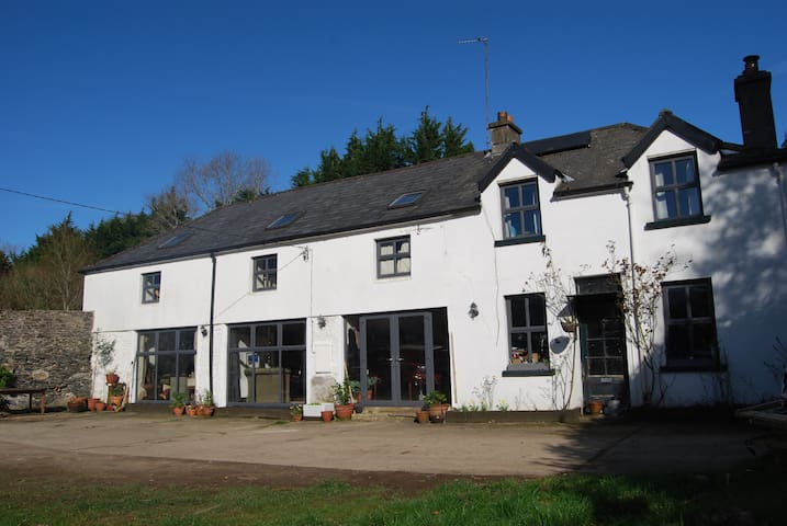 Pet friendly converted coach house in Delgany - Delgany - 一軒家