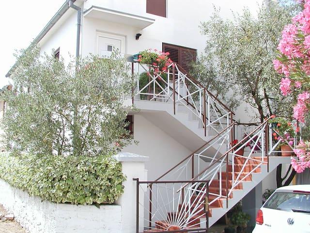 Apartment Eskinja - Biograd na Moru - Daire