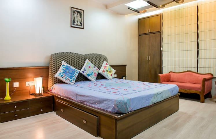 Univille: Exceeding expectations in Central Jaipur - Jaipur - Huis