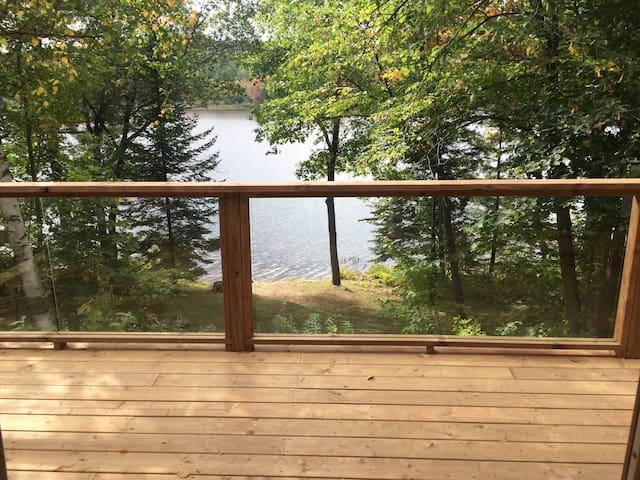 Cozy lakeside Cottage - Chalk River - Kabin