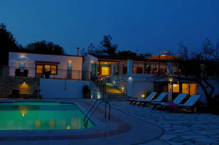 Peace and Quiet at Cyprus Country Holidays - Vavla - 小平房