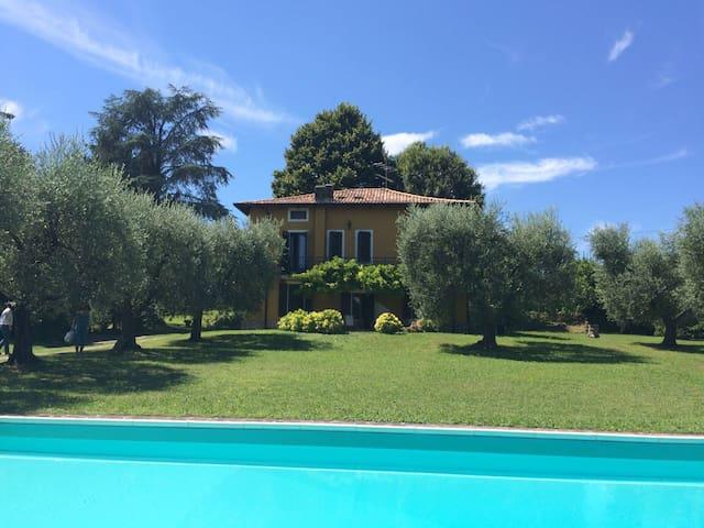 Amazing suite in private house Villa Arilù - Padenghe Sul Garda - Villa