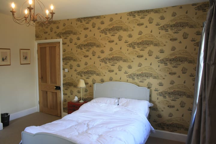 Double room in country house with Labradors - Chipping Warden - Casa
